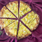 Lækker opskrift på kartoffelpizza med mascarpone og rosmarin