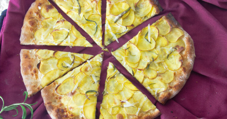 Kartoffelpizza – Pizza med kartoffel, mascarpone og rosmarin