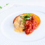 Lækker sprødstegt polenta med cremede svampe og tomatsauce
