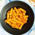 Lækker vegetar bolognese med røde linser