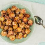 Lækre sprøde sesamkartofler bagt i ovnen med masser af smag