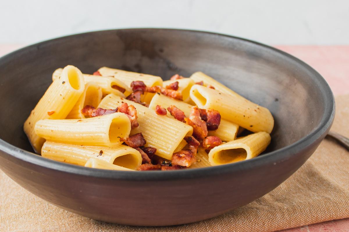 Pasta alla gricia med bacon og ost