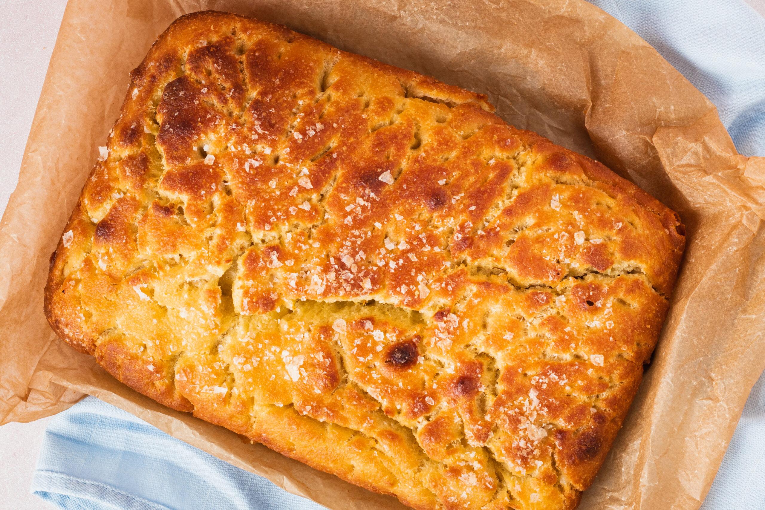 Foccacia – Opskrift på det lækreste koldhævede focaccia brød