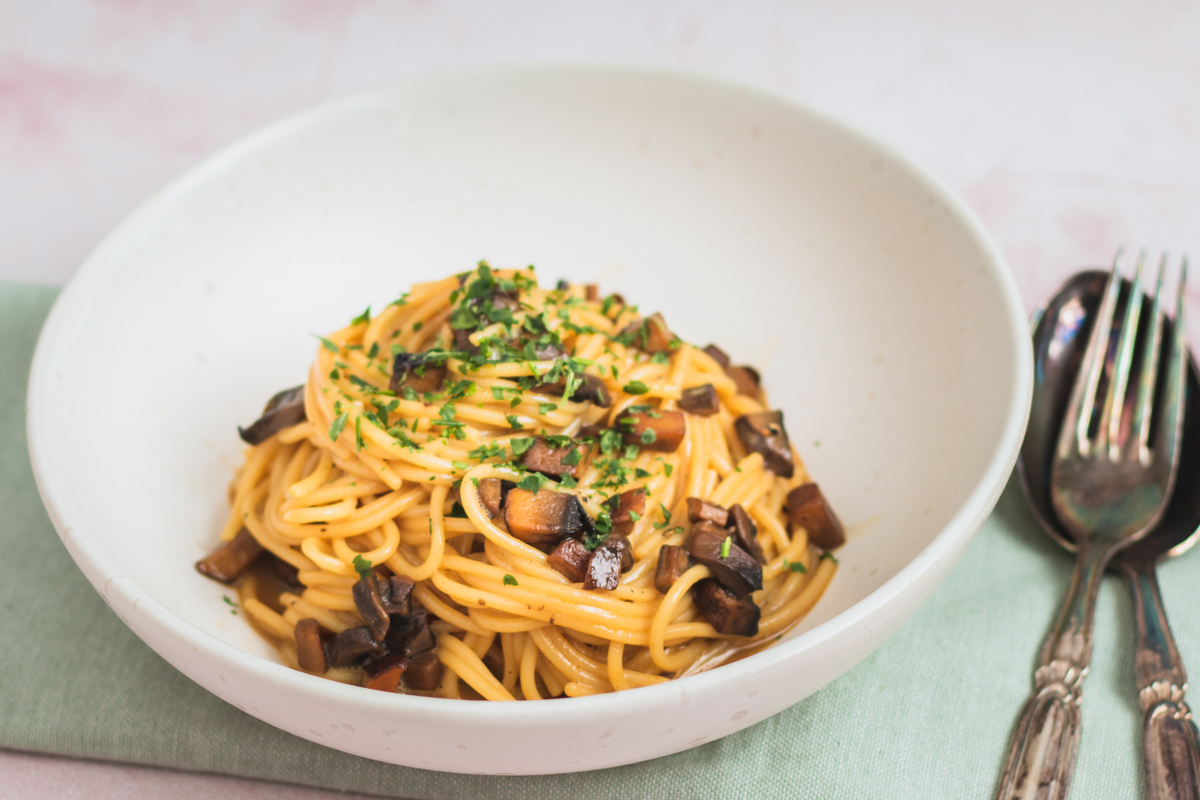 Svampe carbonara – vegetarisk pasta med  svampe ala carbonara