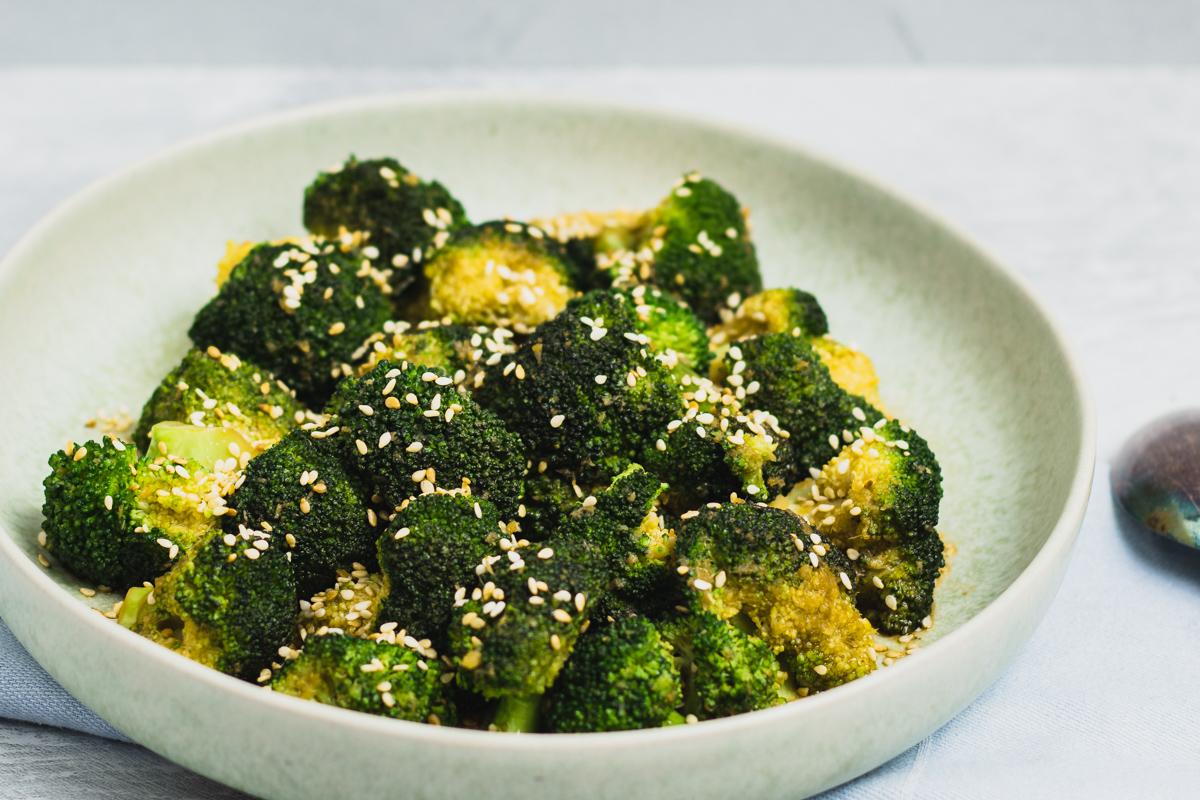Asiatisk inspireret broccoli – broccoli stegt i ingefær og hvidløg