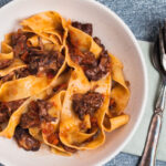 Langtidssimret oksehale ragout pasta