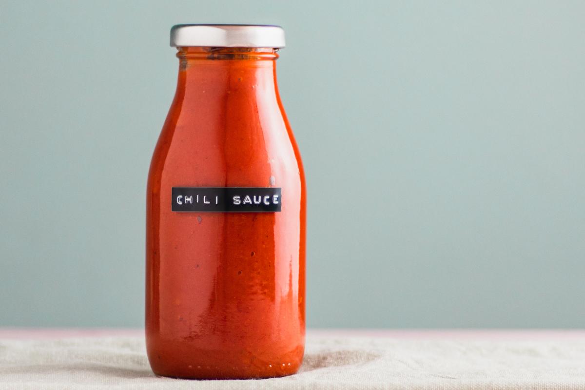 Chilisauce – Spicy chili sauce med karamelliserede løg